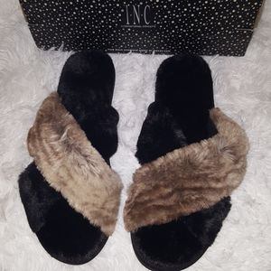 International Concepts Luxurious Open Toe Slippers
